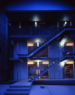 子安のトンネルアパートメント05