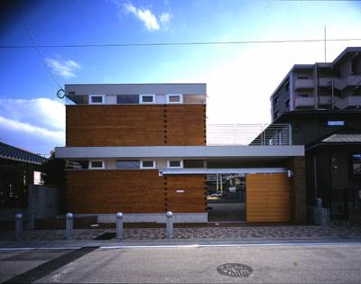 2004 姪浜・積み木の家(sgr)01