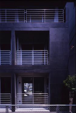 子安のトンネルアパートメント08