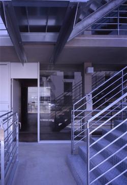子安のトンネルアパートメント12