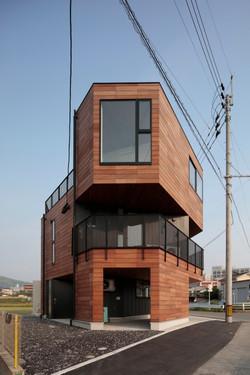 2016 唐の原の事務所併用住宅
