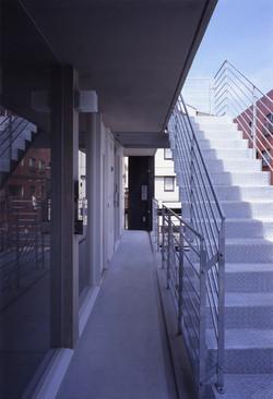子安のトンネルアパートメント11