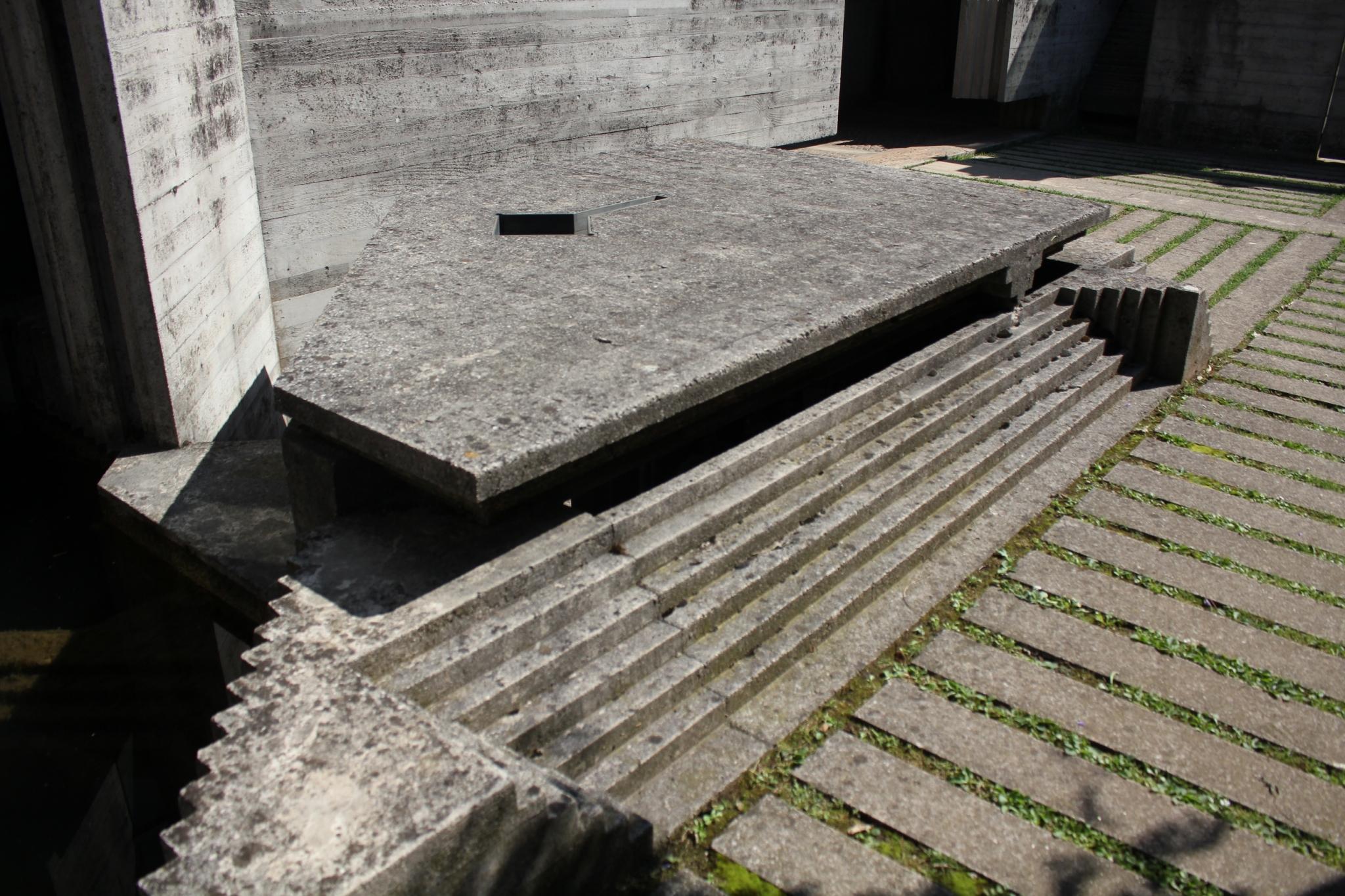 ブリオンベガ墓地06