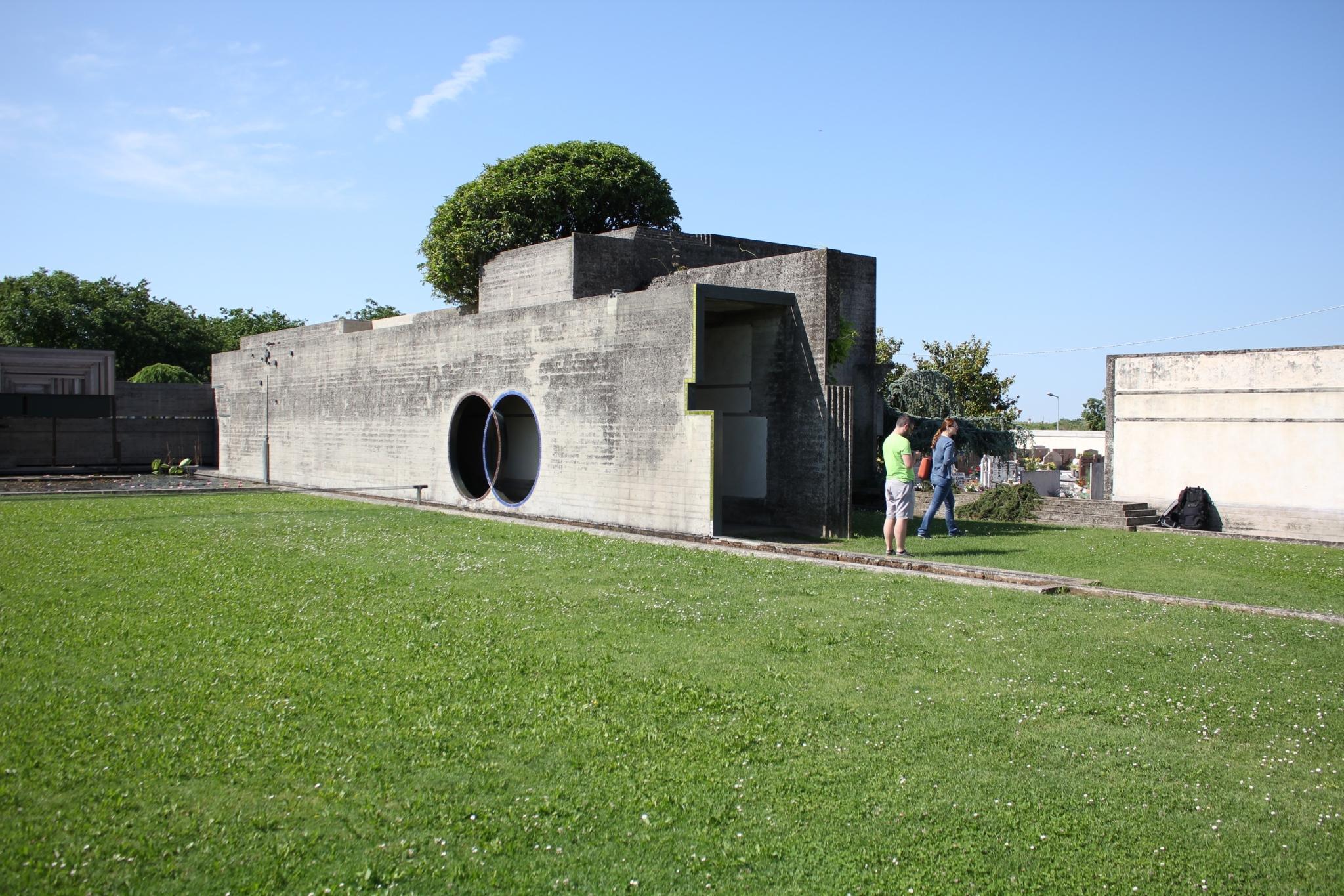 ブリオンベガ墓地23