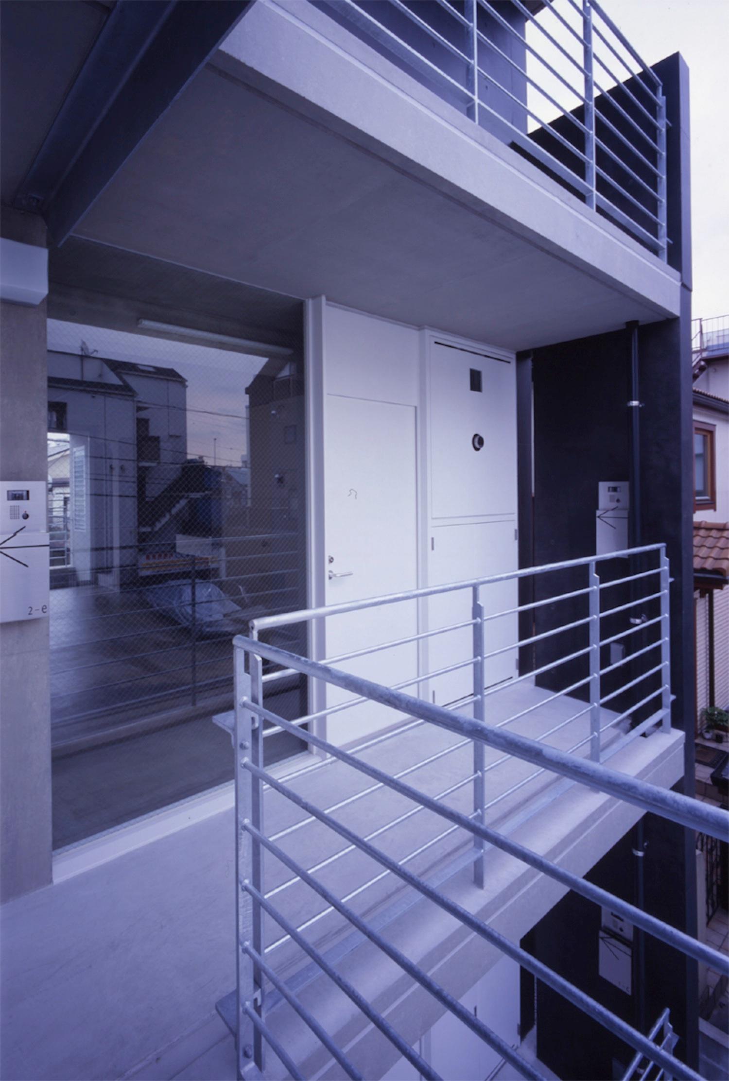 子安のトンネルアパートメント09