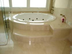 Banheira em mármore crema