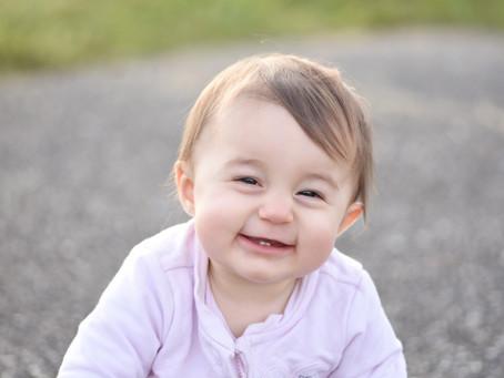 Les séances bébés mensuelles - Photographe Ain - Artemare, Belley