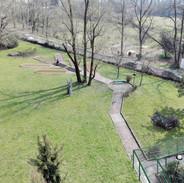 Lo spazio attrezzato nel parco visto dall'alto