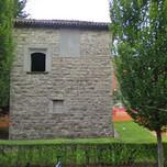 Resti di antica torre a Longuelo in via Lochis