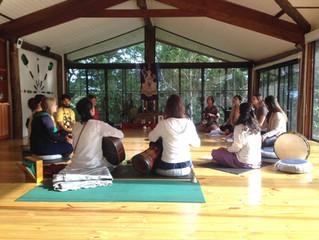 Primeiro Curso Intensivo de Yoga Integral em Ilhabela começou neste final de semana
