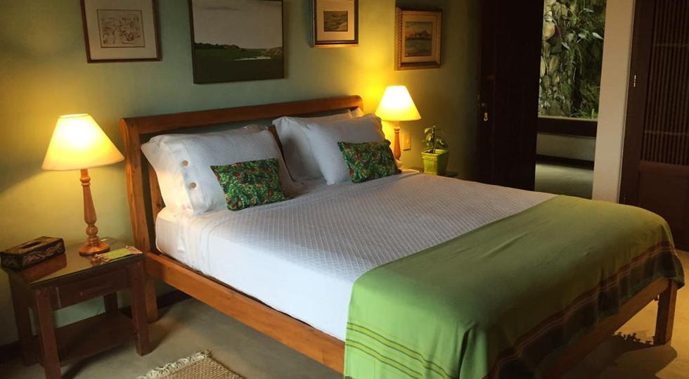 suite verde casa vermelha ilhabela.jpg