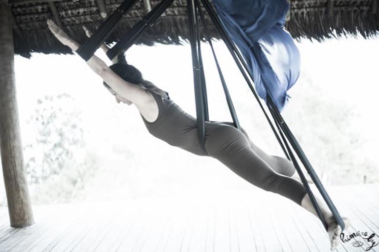 yoga aereo Yogaia Brasil Lili Lakshmi (6
