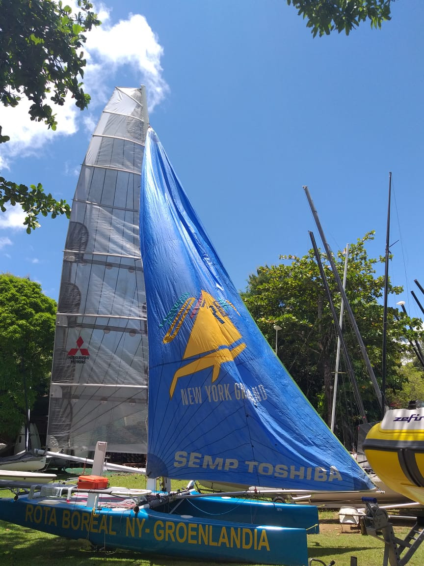 Catamarã de Beto Pandiani, na Guardaria BL3 Escola de Vela de Ilhabela