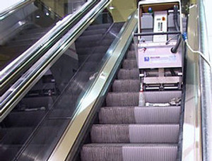 Limpeza de Escadas e Esteiras Rolantes