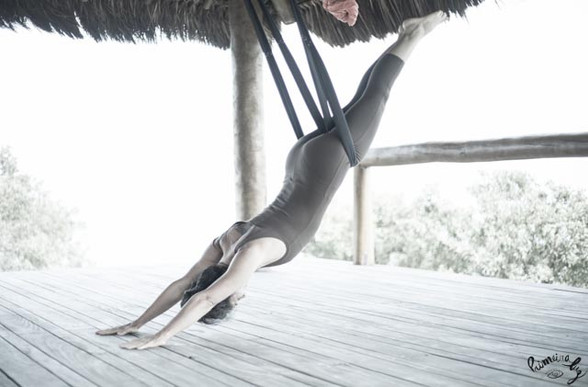 yoga aereo Yogaia Brasil Lili Lakshmi (3