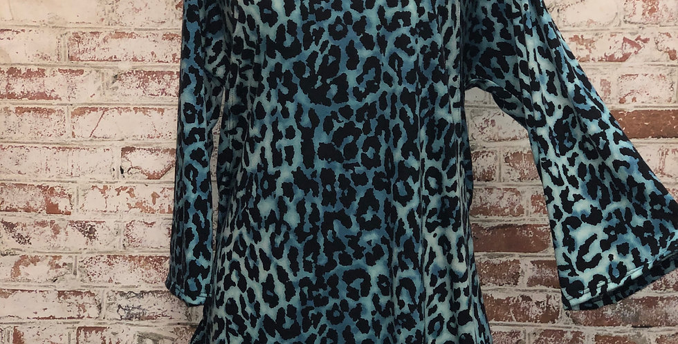 Turquoise leopard top