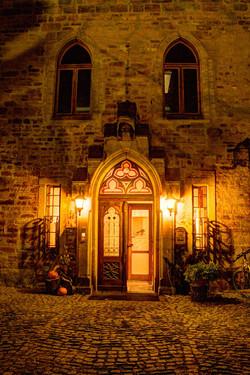 Eingang Schloss am Abend