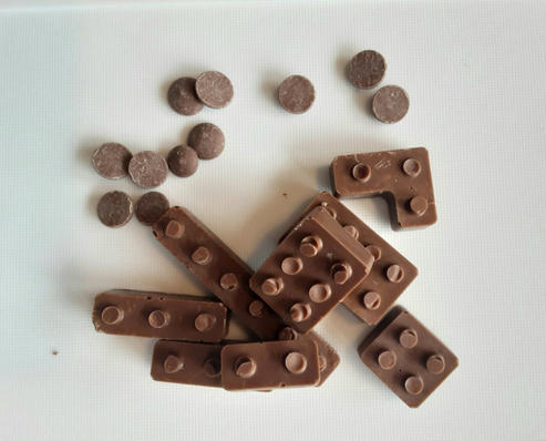 Solid Belgian milk chocolate shapes. 6 shapes = £2.50.