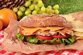 panier-pique-nique-sandwich-au-baguette-