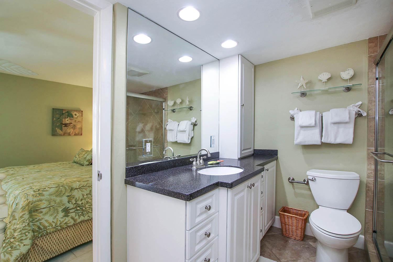 12 Master Bathroom c