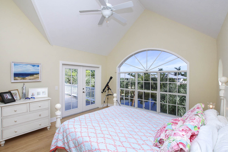 20 Master Bedroom a