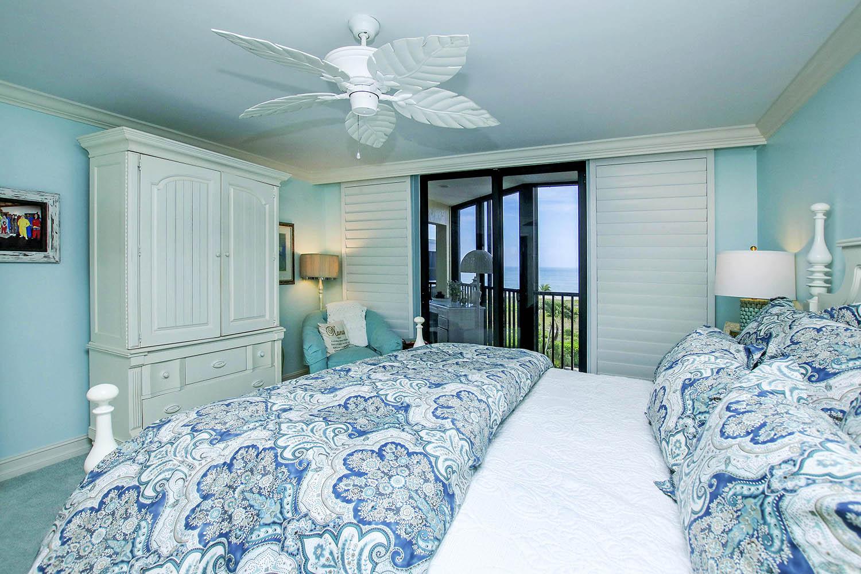 21 Master Bedroom b