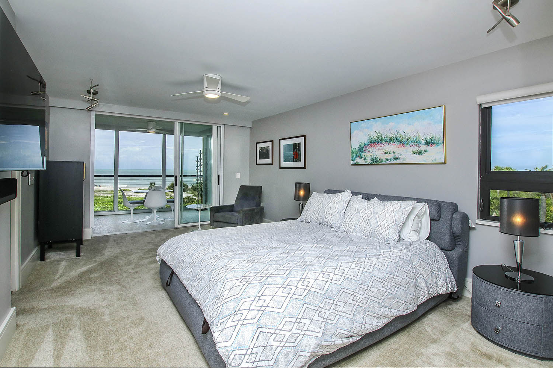 11 Master Bedroom d