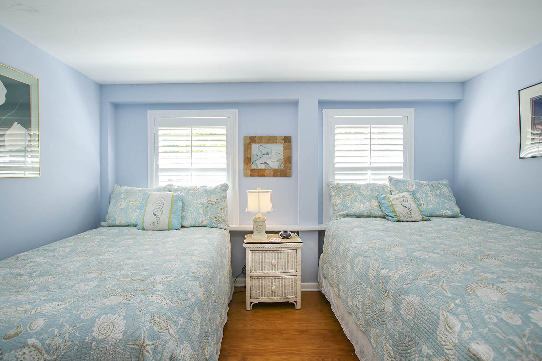13 Bedroom 3 b