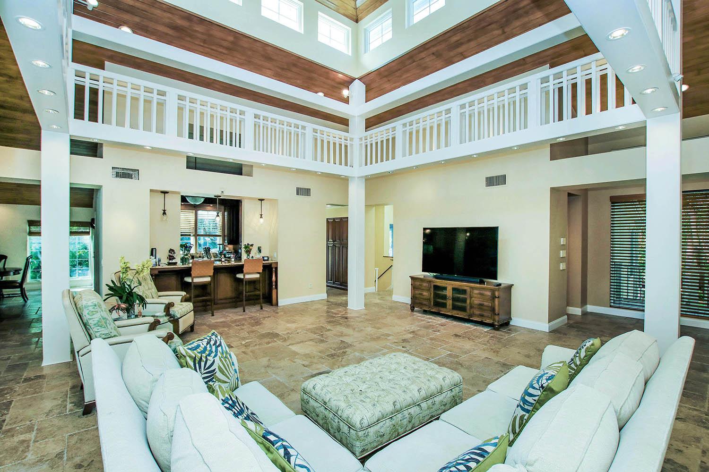 6 Living Room b (2)