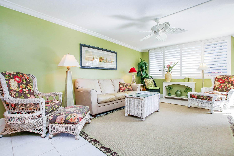 2 Living Room a