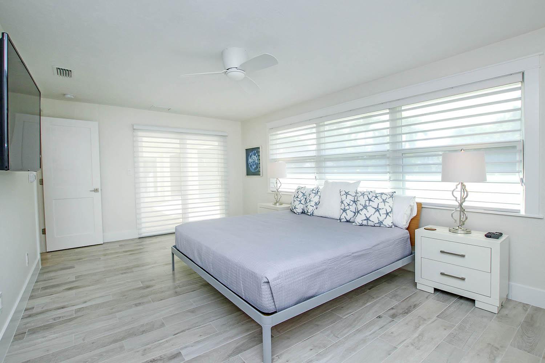 14 Master Bedroom e