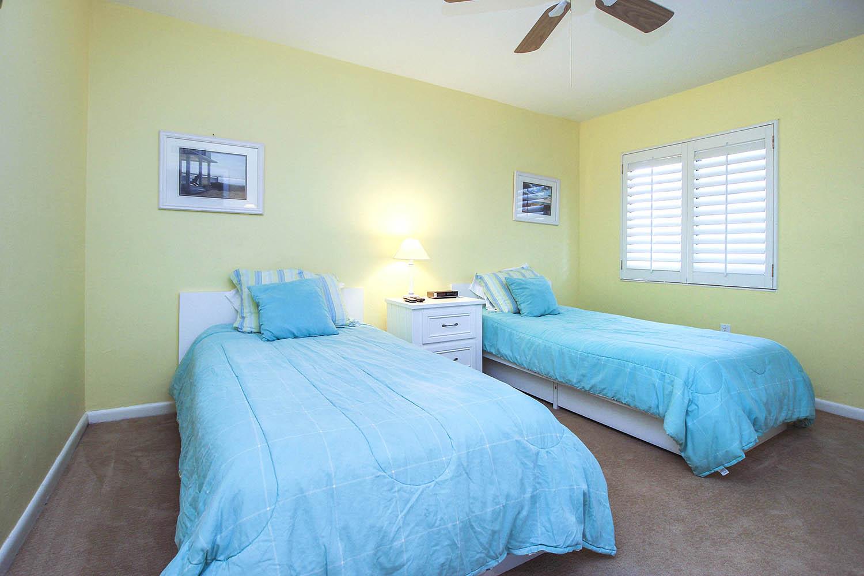 11 Log 214 Bedroom 2 a