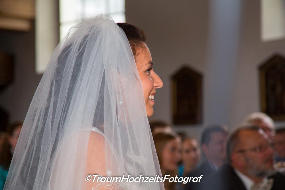 Braut in Kirche