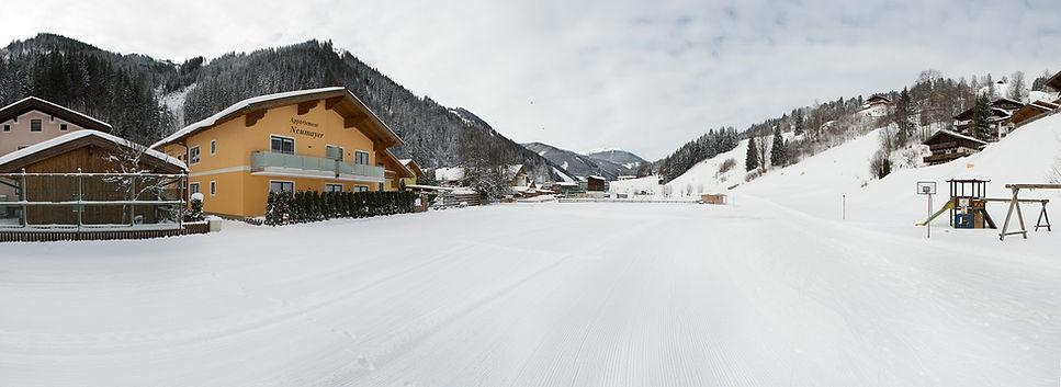 Skiabfahrt bis vor der Haustüre - Ferienwohnungen in der Nähe von Saalbach Hinterglemm