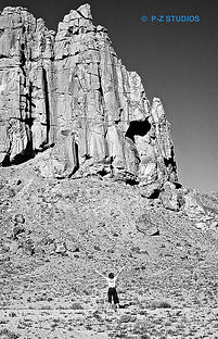 3-Ev in Monument Valley-Images.jpg