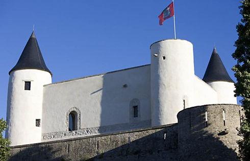 Le Château a protégé l'Île des envahisseurs, ceux-ci sont aujourd'hui les bienvenus !