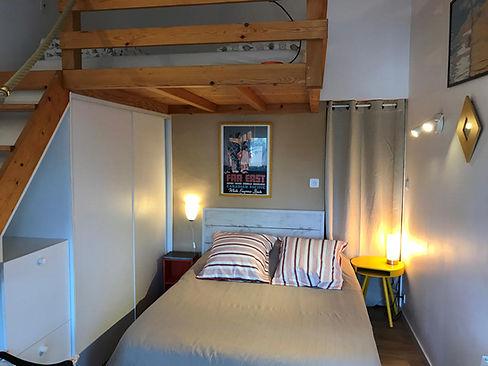 Chambre double pour 2 à 4 personnes avec une mezzanine