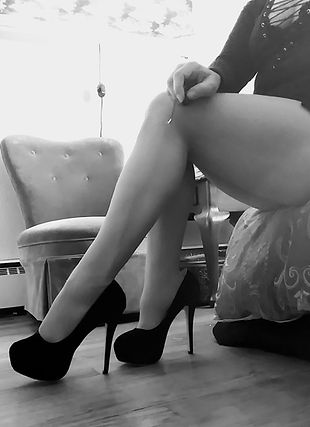 "<img alt=""high heels, heel worship, pantyhose, stockings, sexy legs, muscular legs, muscular calves, leg slave, dominance, submission,bdsm lifestyle, femdom, domme, Mistress"" src=""20180514_140010_Film3~2.jpg"""