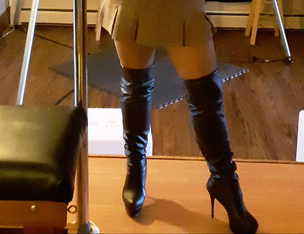 """<img alt=""""thigh high boots, boot fetish, boot worship, leather boots, Miss J, professional dominatrix, clean my boots, bootlicker"""" src=""""b20180917_110757.jpg"""""""