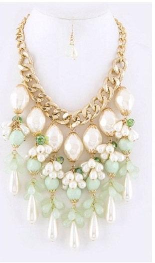 Chandelier Leflore Necklace Set