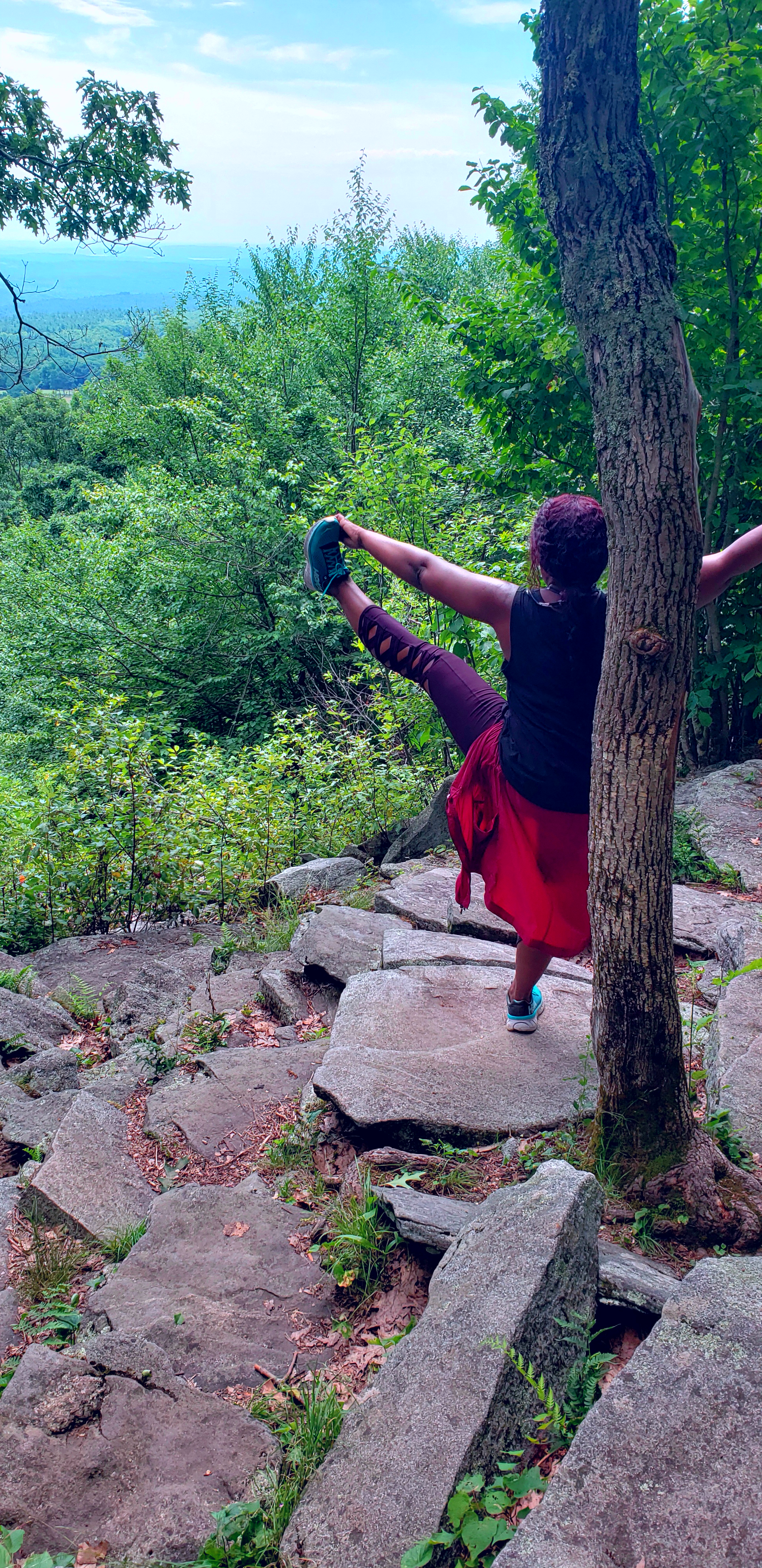 char_willingham_hiking_yoga_mount_wachusett