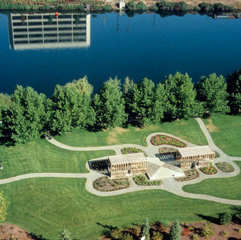 East/West Arbor & Gift Gardens