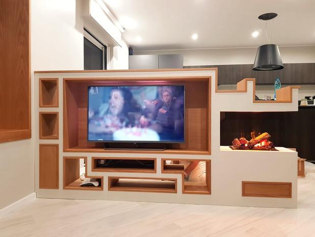 MOBILE TV ● TV CABINET