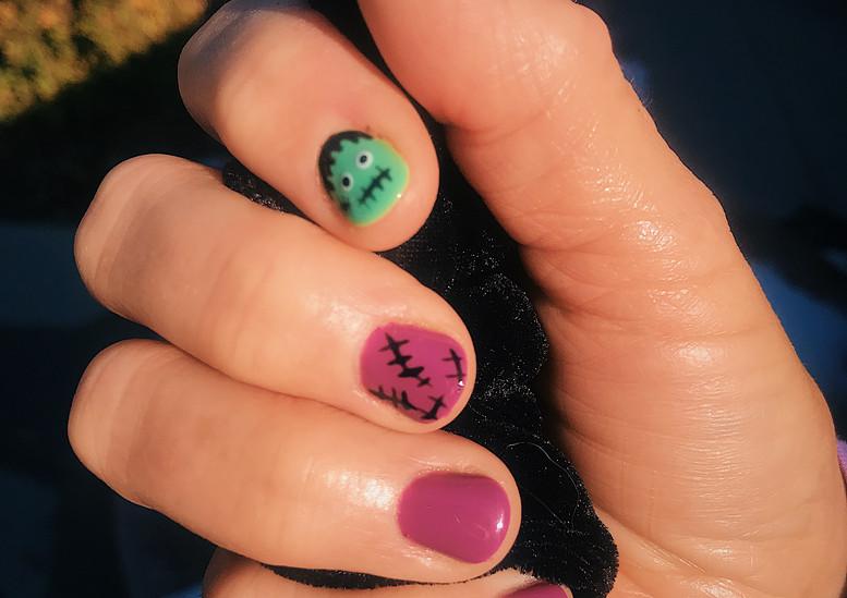 Novelty nails