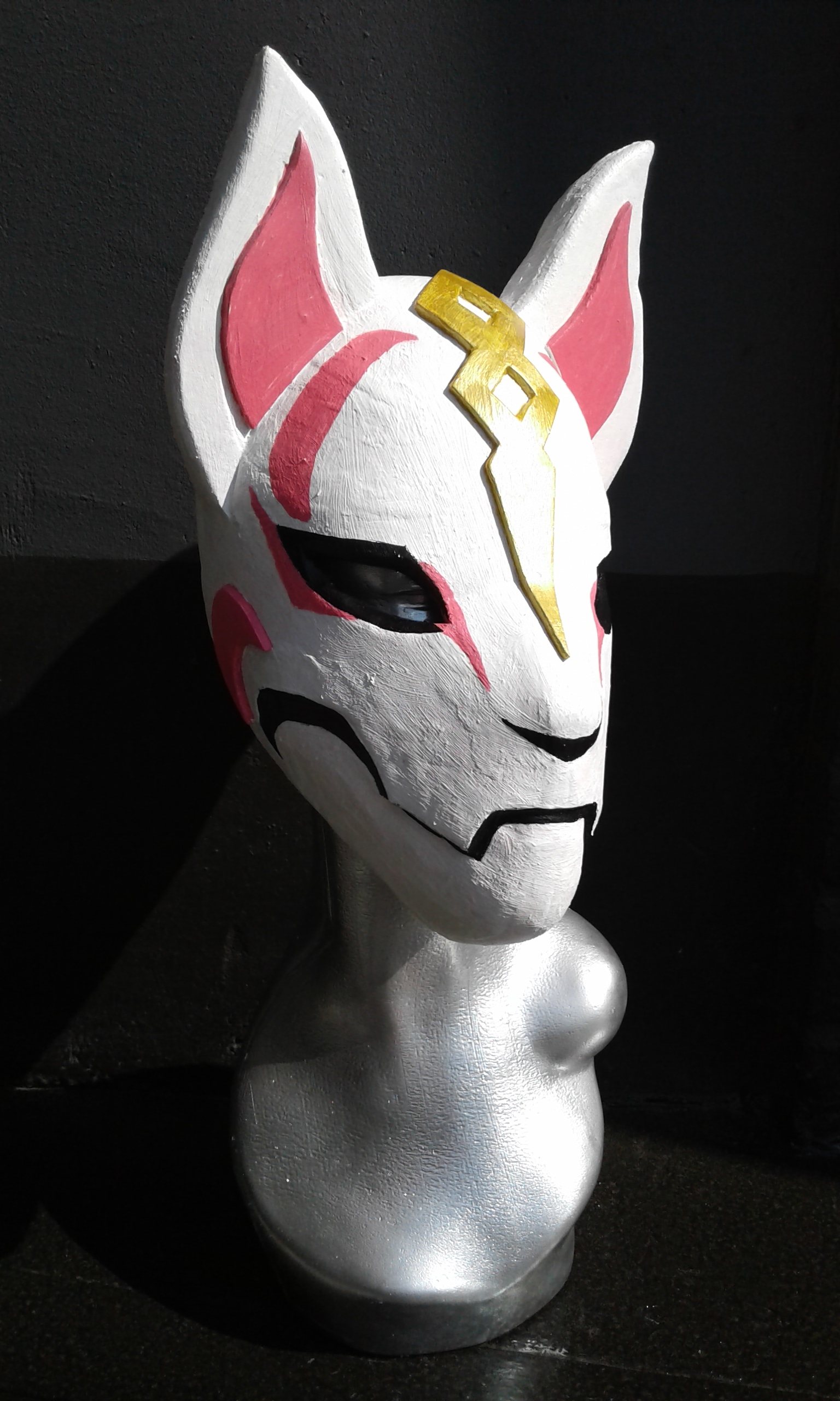 Pink White Gold Drift Mask (1)