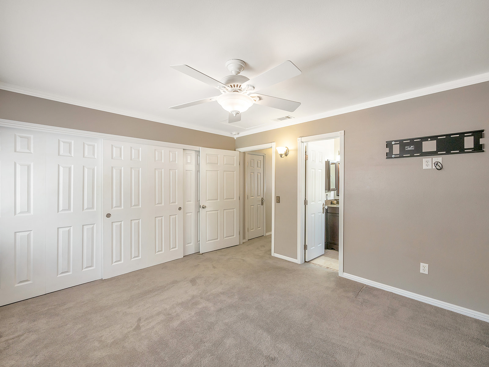 3903 Bayberry Dr 24