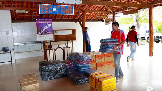 Jequié: Prefeitura entrega alimentos a entidades
