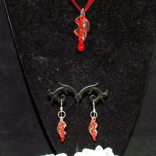 Red Edged Twisted Set