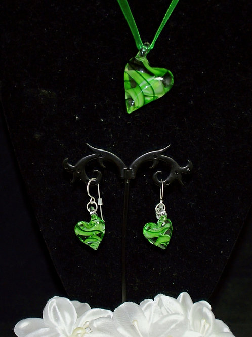 Green Leaning Heart Set