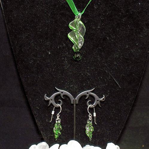 Green Edged Twist Set